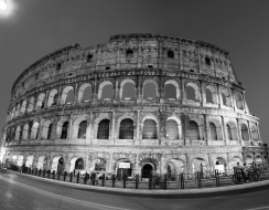 foto  Colosseo in b&w