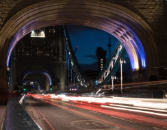 foto  Speed on tower bridge