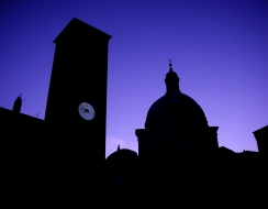 15412 foto  Mantova all'ora blu